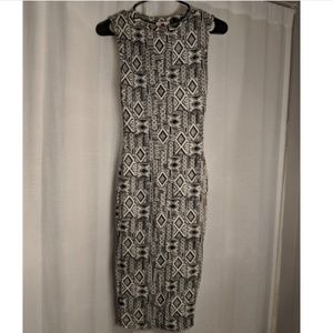 Dresses & Skirts - NWT Aztec style print bodycon dress, size small